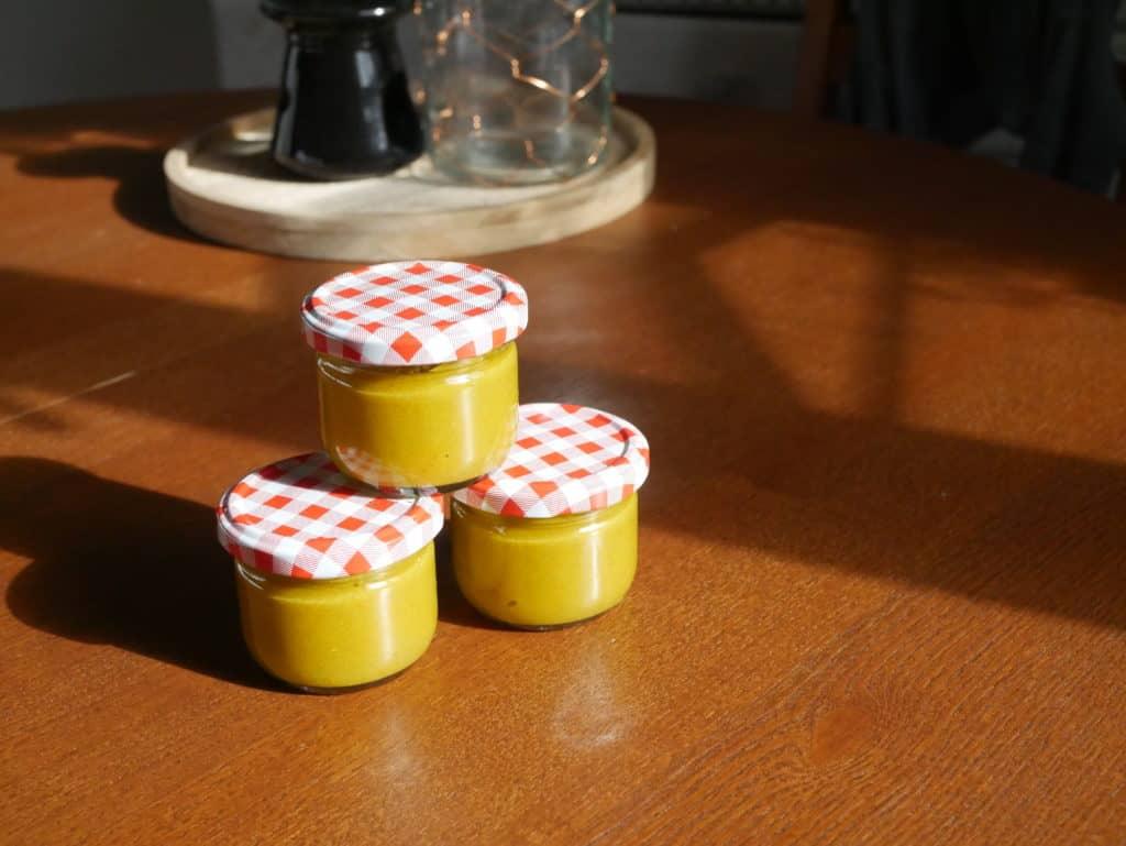 Sparen Kind: In Gläschen abgefüllt hält sich der Brei im Kühlschrank 4 bis 7 Tage. Das ist deutlich günstiger, als Brei zu kaufen.